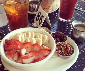 food, fruit, and urth cafe image