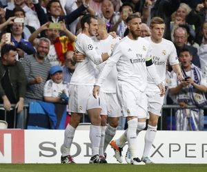 real madrid and hala madrid image