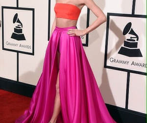 red carpet and taylor swif image