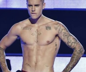 celeb, justin bieber, and abs image