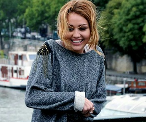 miley cyrus, lol, and smile image