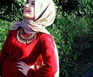 hijab, red, and necklace image