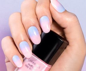 nails and luxury image