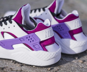 nike and huarache image