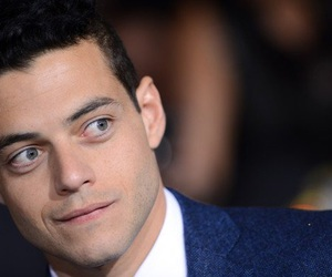 rami malek and mr robot image
