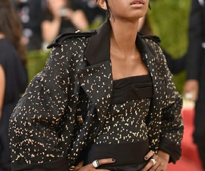 stunning and willow smith image