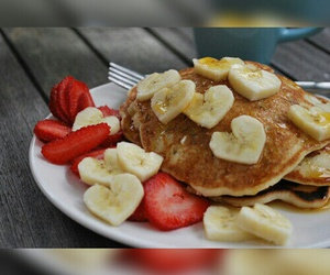 pancakes and strawberry image