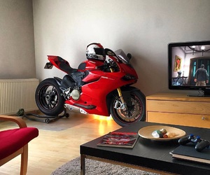 ducati, picture, and red image