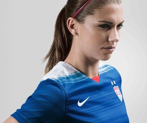 alex morgan image