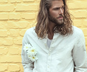 model and ben dahlhaus image