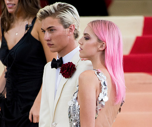 lucky blue smith and met gala image