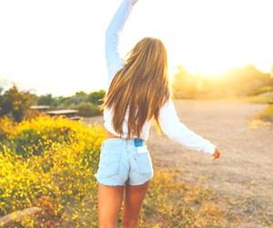 girl, tumblr, and nature image