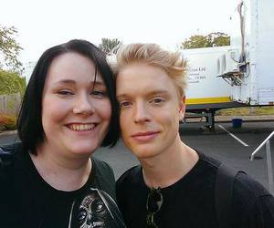 freddie fox and banana cucumber tofu image