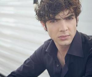 ethan peck image