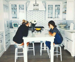 friends, kitchen, and best friends image