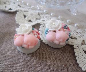 Image by GirlyPlugs.com
