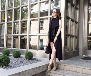 chic, all black, and fashion blogger image
