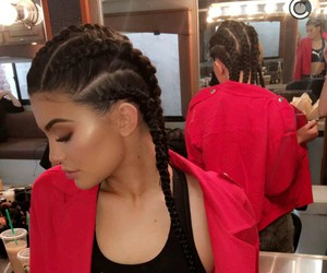 girl, boxer braids, and kylie jenner image