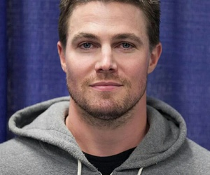 stephen amell, arrow, and boy image