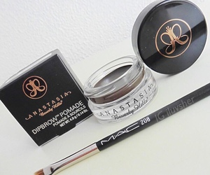 makeup, anastasia, and Beverly Hills image