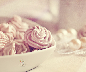 miam, pink, and cakes image