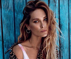 Erin Wasson and model image