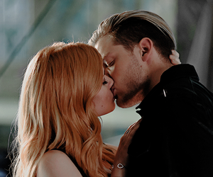 shadowhunters, jace, and kiss image