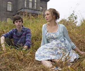 bates motel, norman bates, and freddie highmore image