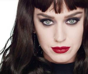 beautiful, darks, and ️covergirl image