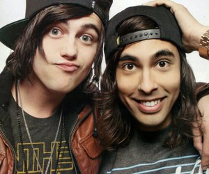 kellin quinn, pierce the veil, and sleeping with sirens image