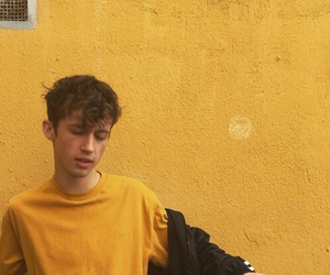 yellow, troye sivan, and aesthetic image
