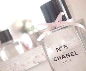 beauty, chanel, and parfüme image