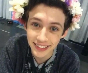 troye sivan, smile, and boy image