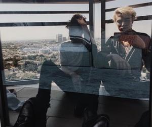mirror, anwar hadid, and lucky blue smith image
