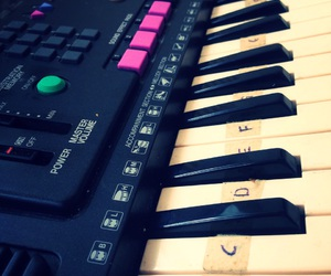 notes, piano, and piano tiles image