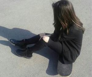 grunge, black, and skateboard image