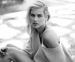 black and white, celebrity, and girl image