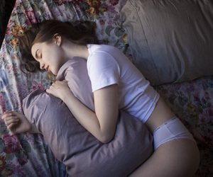 girl, sleep, and grunge image