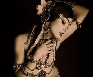 beauty, belly dance, and belly dancer image