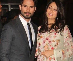 shahid+kapoor+with+wife+ image