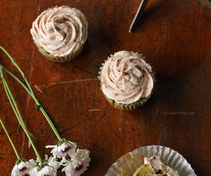 cupcakes, tea, and red bean image