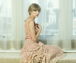 Taylor Swift, dress, and red image