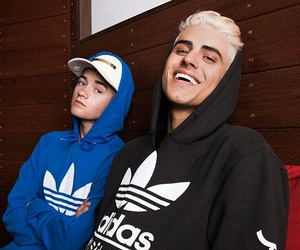 jack johnson, jack gilinsky, and boy image