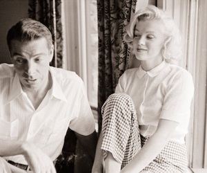 Marilyn Monroe, black and white, and joe dimaggio image