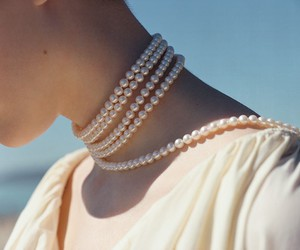 pearls, vintage, and aesthetic image