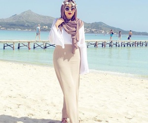 hijab, style, and summer image