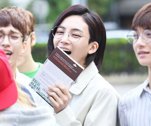 17, Seventeen, and jeonghan image
