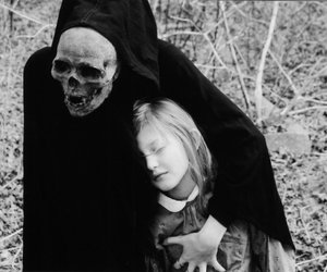 death, black and white, and skull image