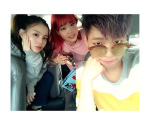 lee hi, akmu, and yg image