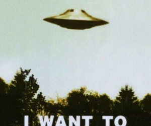 aliens, the 90s, and I want to believe image